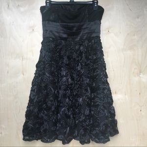 White House Black Market Black Rose Party Dress